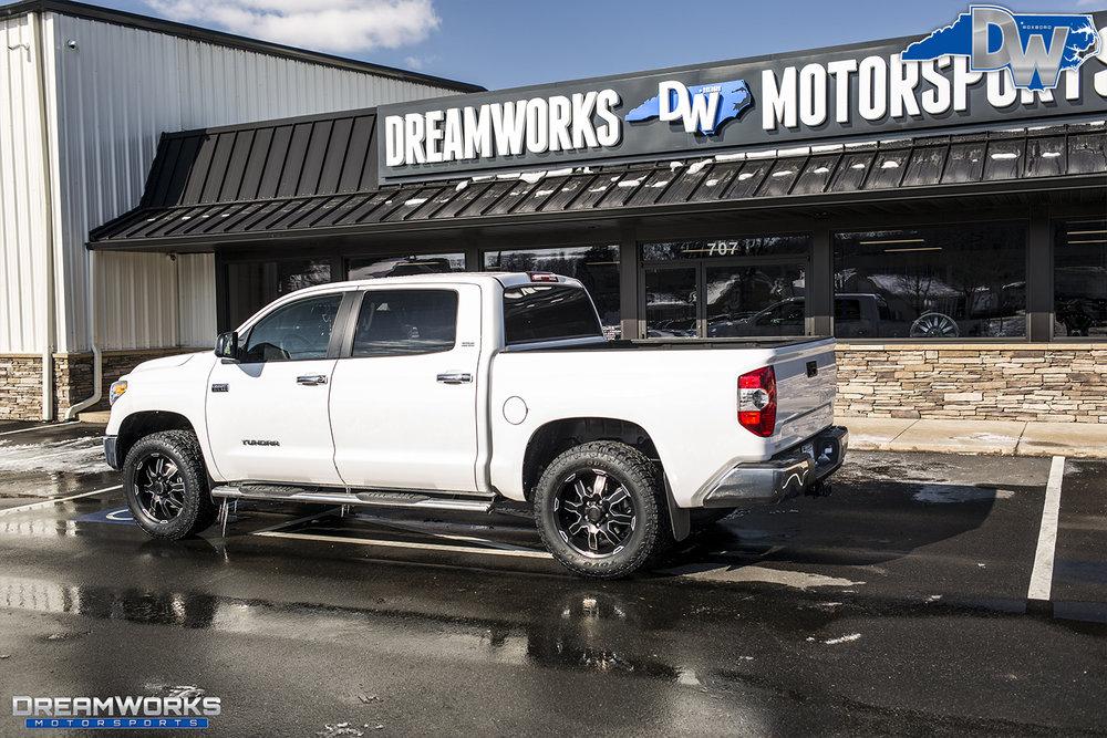 White-Toyota-Tundra-Dreamworks-Motorsports-3.jpg