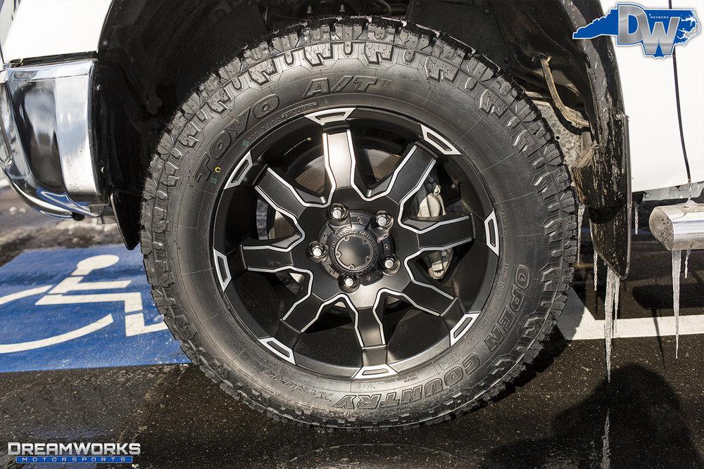 White-Toyota-Tundra-Dreamworks-Motorsports-5.jpg