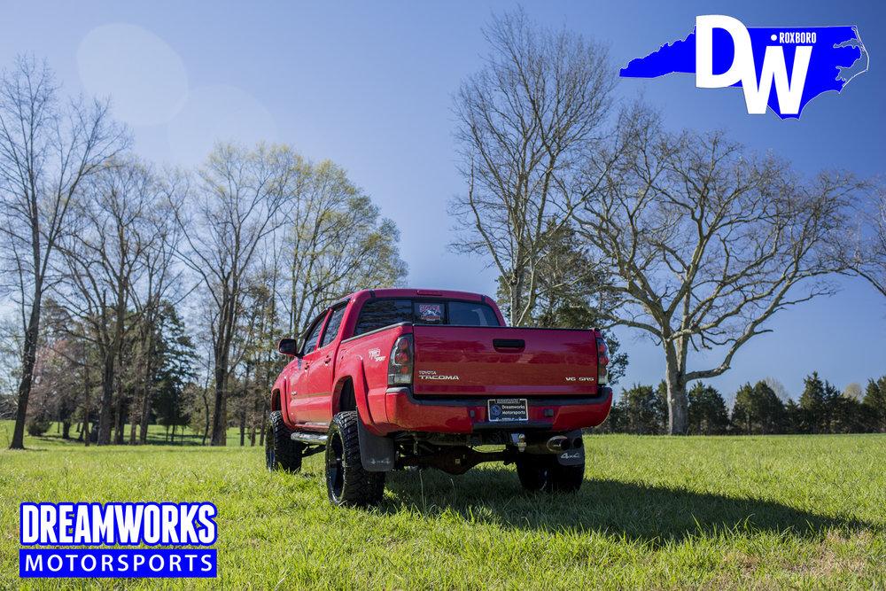Toyota_Tacoma_By_Dreamworks_Motorsports-2.jpg