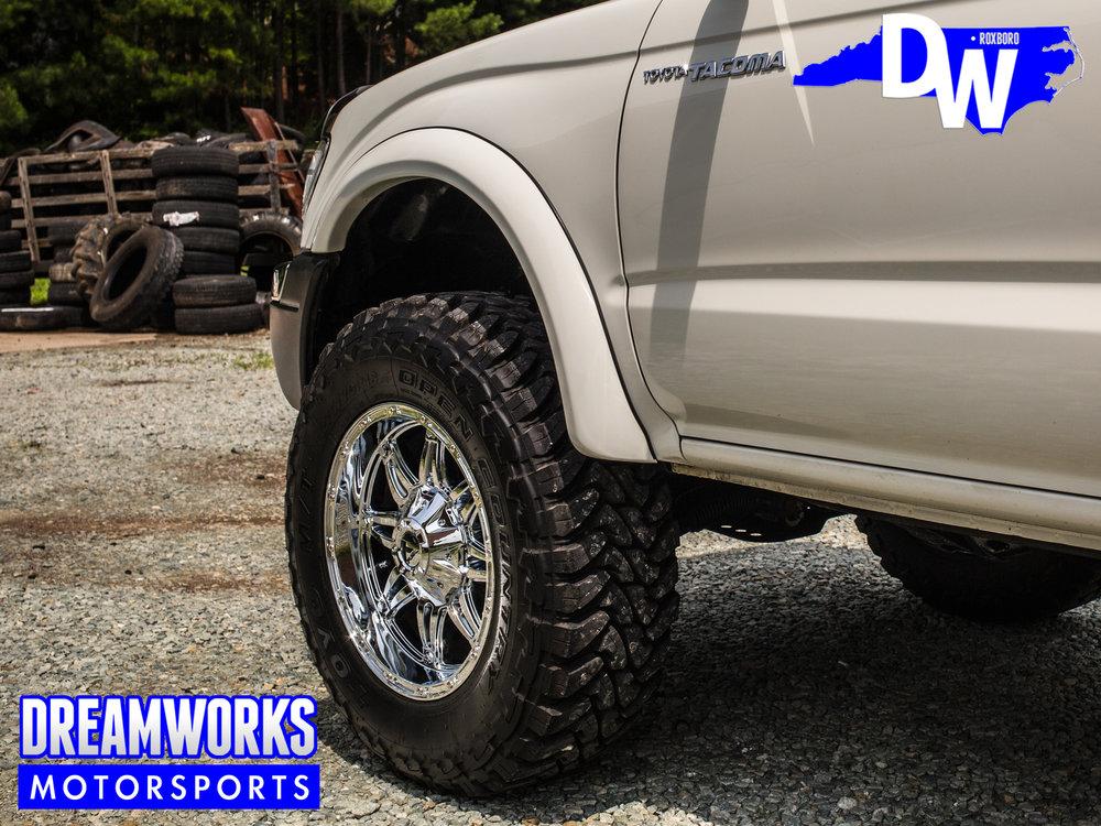 Toyota-Tacoma-Dreeamworks-Motorsports-3.jpg