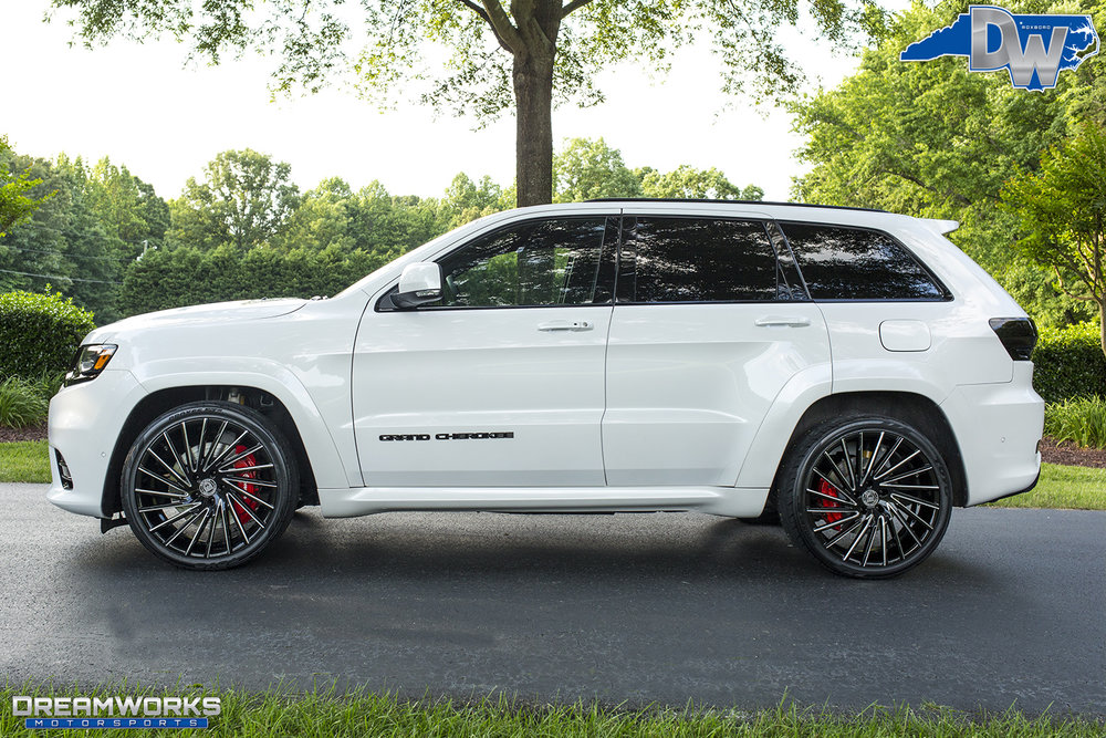 White-Jeep-Grand-Cherokee-Lexani-Dreamworks-Motorsports-1.jpg