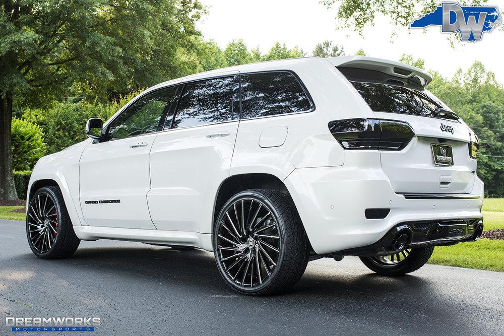White-Jeep-Grand-Cherokee-Lexani-Dreamworks-Motorsports-7.jpg