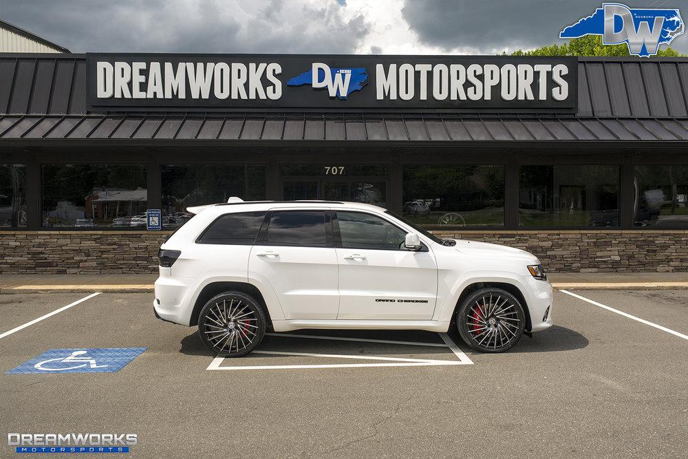 White-Jeep-Grand-Cherokee-Lexani-Dreamworks-Motorsports-12.jpg
