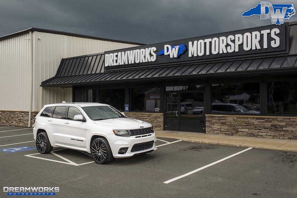 White-Jeep-Grand-Cherokee-Lexani-Dreamworks-Motorsports-13.jpg