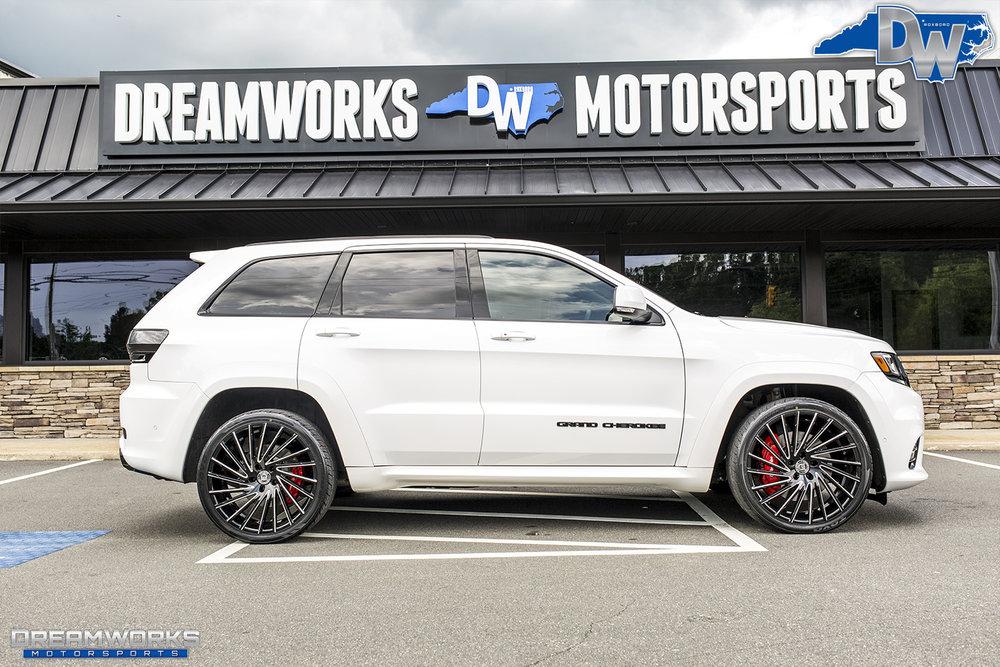 White-Jeep-Grand-Cherokee-Lexani-Dreamworks-Motorsports-15.jpg