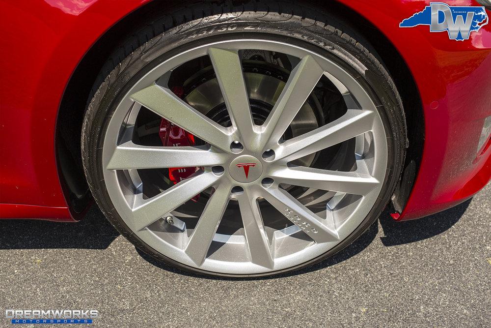 Red-Tesla-Dreamworks-Motorsports-12.jpg