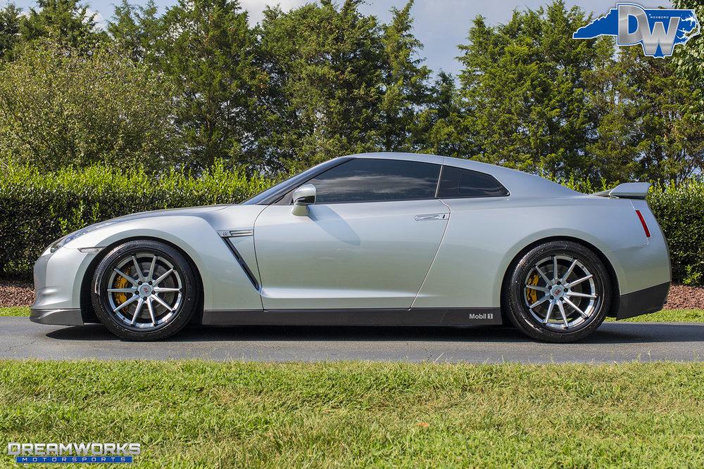 Nissan-GTR-Dreamworks-Motorsports-2.jpg