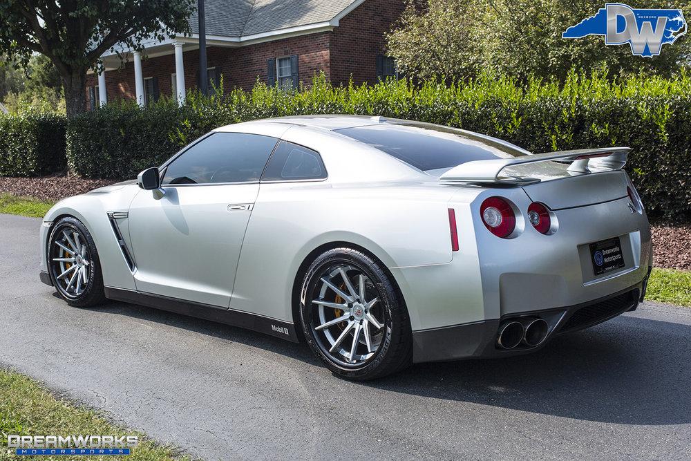 Nissan-GTR-Dreamworks-Motorsports-4.jpg