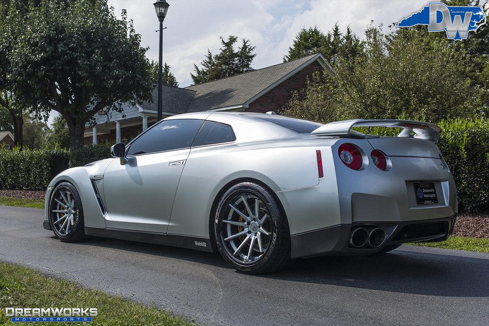 Nissan-GTR-Dreamworks-Motorsports-5.jpg