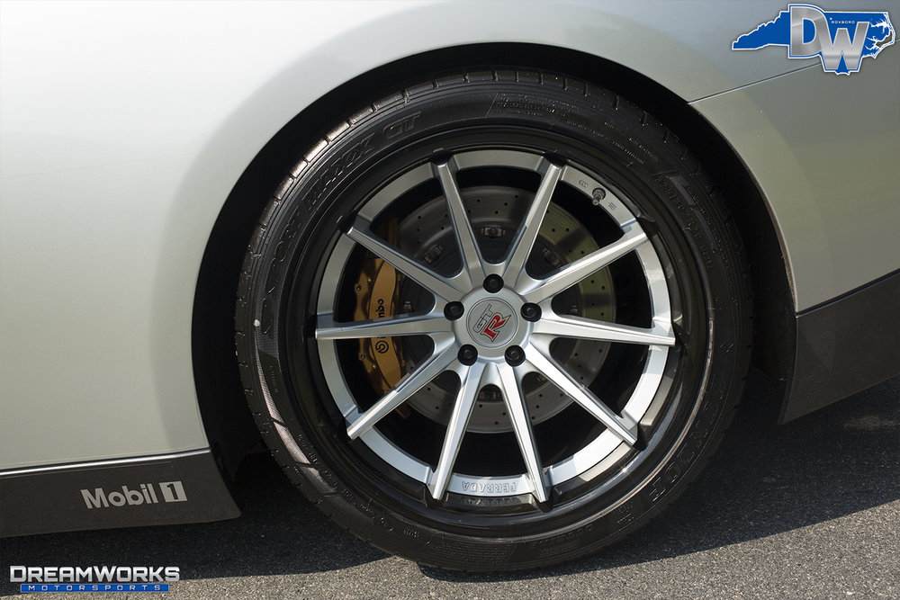 Nissan-GTR-Dreamworks-Motorsports-7.jpg
