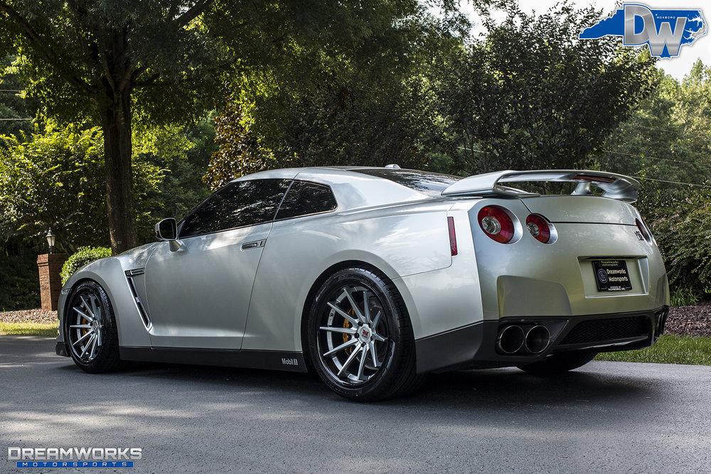 Nissan-GTR-Dreamworks-Motorsports-11.jpg