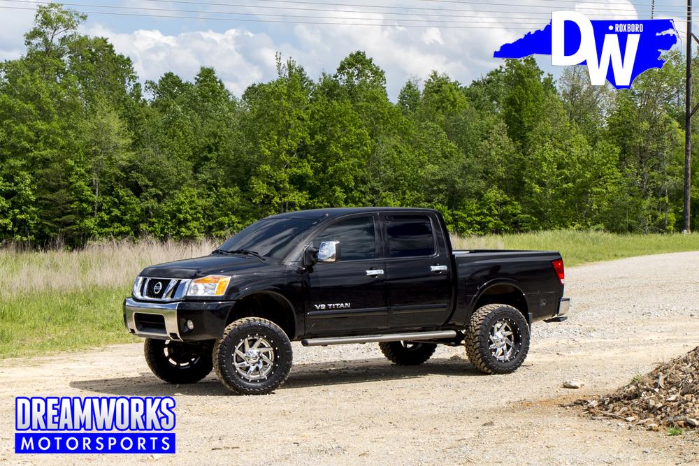 Nissan-Titan-SL-Dreamworks-Motorsports-3.jpg