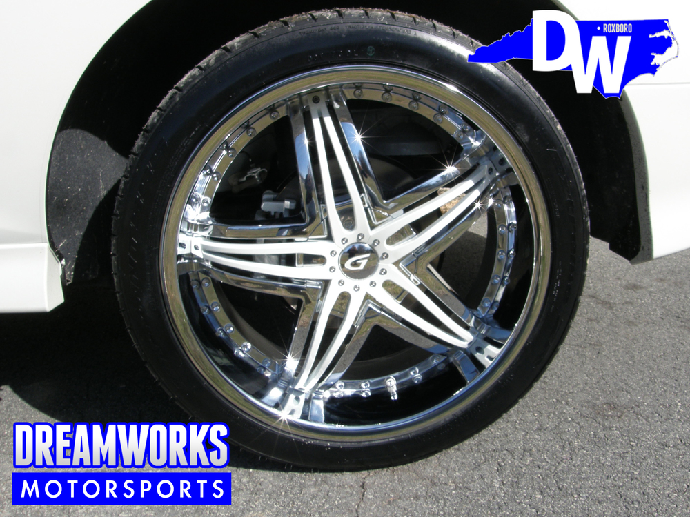 Nissan-Murano-Gianna-Dreamworks-Motorsports-4.jpg