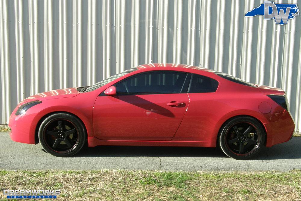 Nissan-Altima-Coupe-Dreamworks-Motorsports-1.jpg