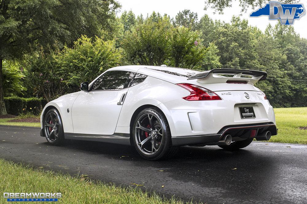 White-Nissan-370z-Dreamworks-Motorsports-3.jpg