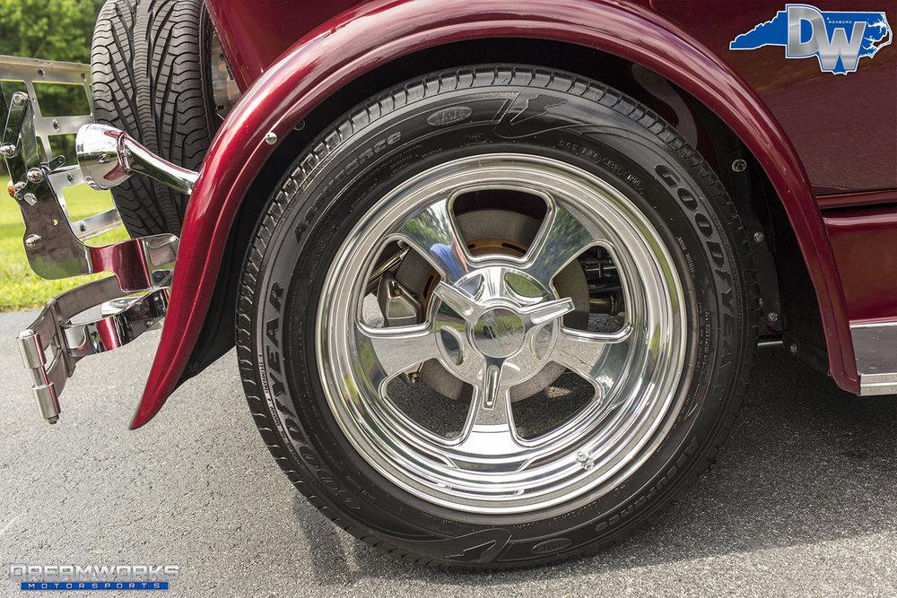 Ford-Phaeton-Dreamworks-Motorsports-16.jpg