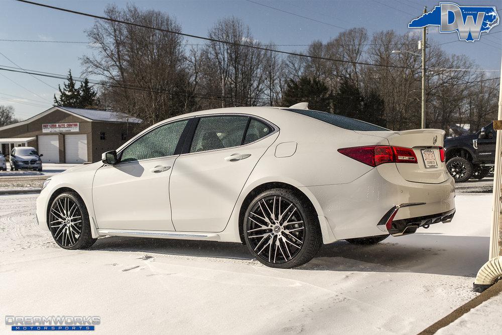 White-Acura-Snow-Dreamworks-Motorsports-3.jpg