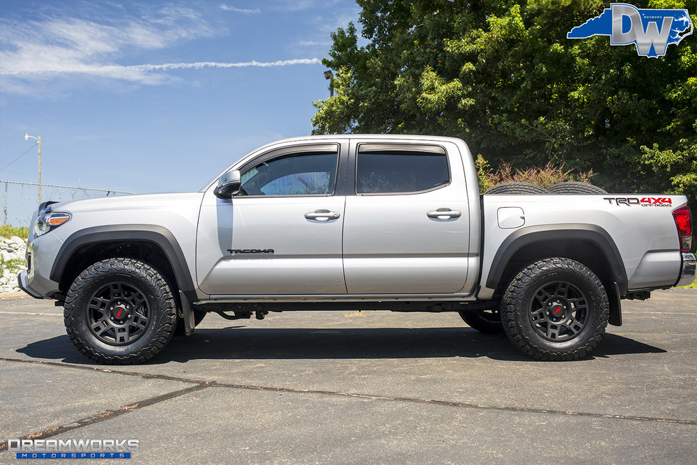 Silver-Toyota-Tundra-Dreamworks-Motorsports-2.jpg