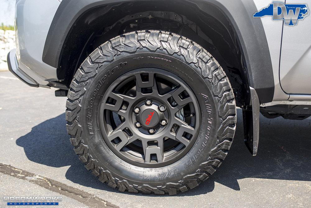 Silver-Toyota-Tundra-Dreamworks-Motorsports-4.jpg