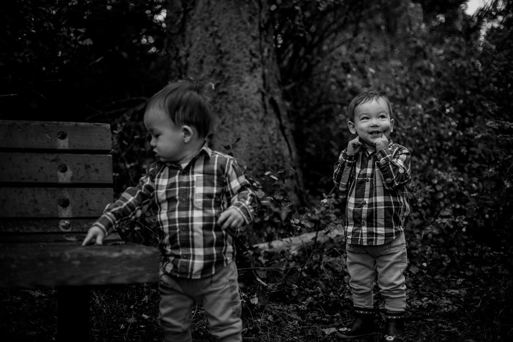 saracannonphoto.victoria.bc.photography.lifestyle.portraits.twins.family-7.jpg