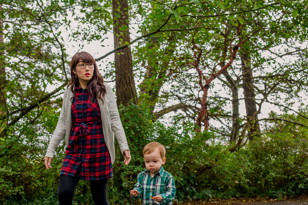 saracannonphoto.victoria.bc.photography.lifestyle.portraits.twins.family-12.jpg