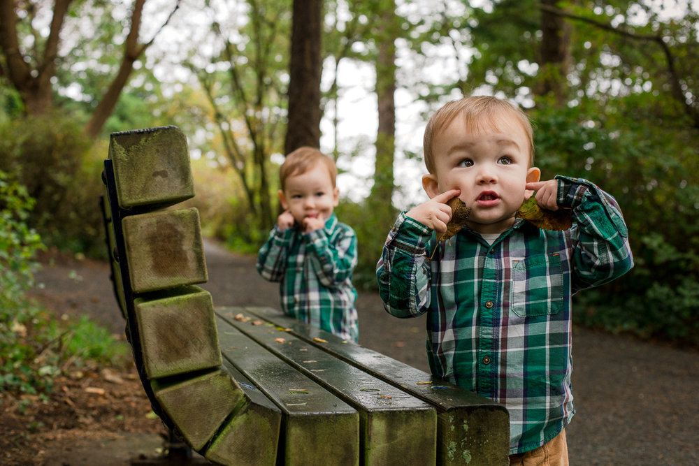 saracannonphoto.victoria.bc.photography.lifestyle.portraits.twins.family-13.jpg
