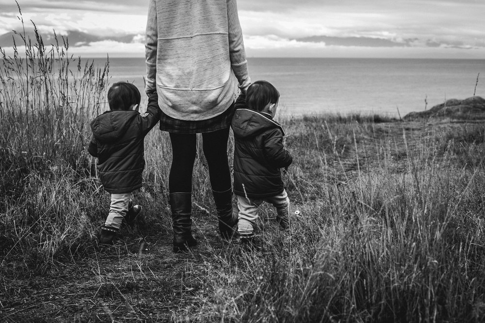 saracannonphoto.victoria.bc.photography.lifestyle.portraits.twins.family-29.jpg
