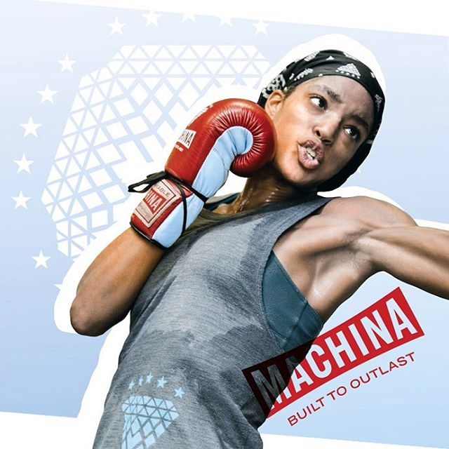 This what a machine looks like! Machina is serious boxing gear for serious women. @stayshuh_bruh #machinaboxing #spitfirebelchsmoke #womensboxing