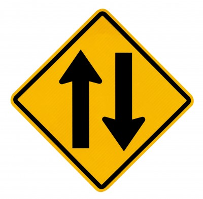 Sign showing traffic goes in both directions
