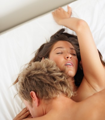 sexy-couple-making-love-in-bed.jpg