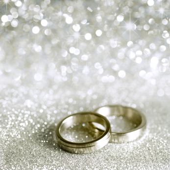 wedding-rings-silver-stars-sparkles.jpg