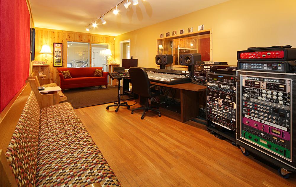 studioA5crop.jpg