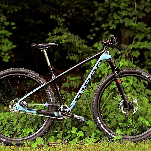 with great sadness and a bit of anger i post this... please be on the lookout for nik's carbon niner (as seen in pic but w/ an xtr crankset) as it was taken during a break in at their house on 35th st in NoDa....there will be a cash reward for info that leads to it's recovery.