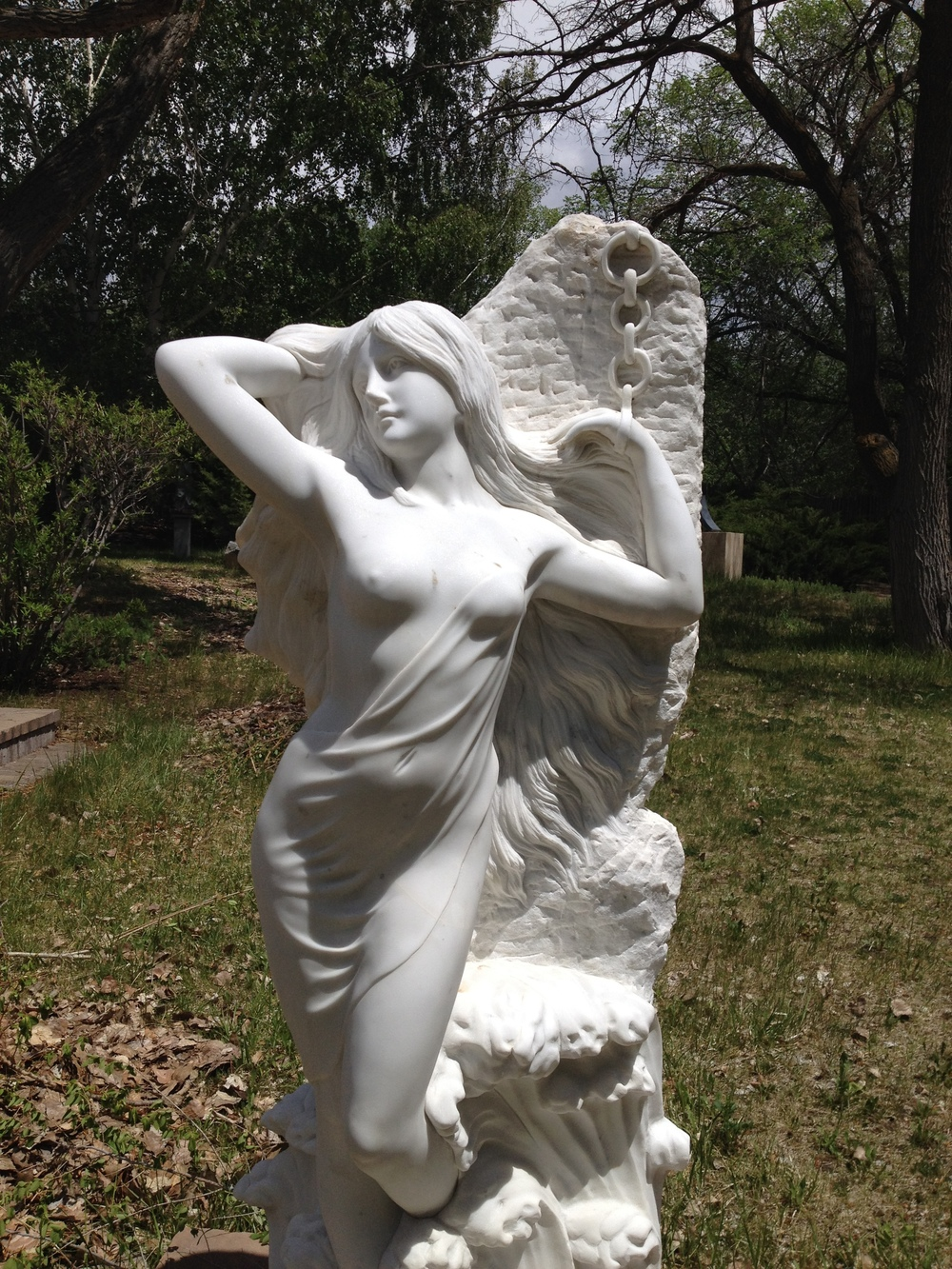 Photo - statue of Andromeda at Glenn Green Galleries, Tesuque, NM http://www.glenngreengalleries.com