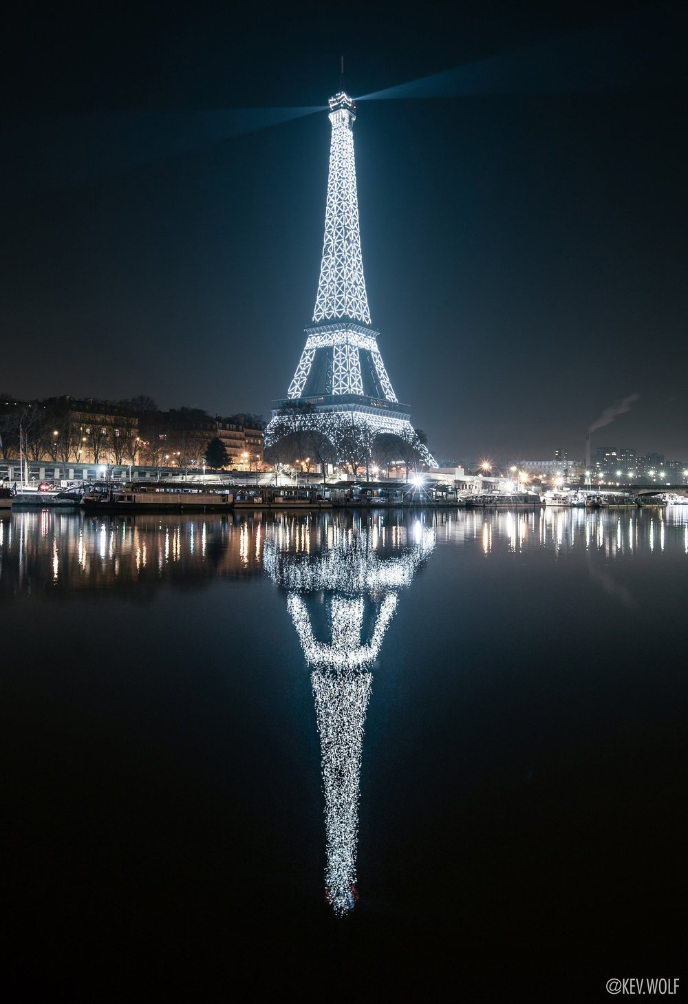 the eiffel tower - 715k views (front page of reddit r/pics)