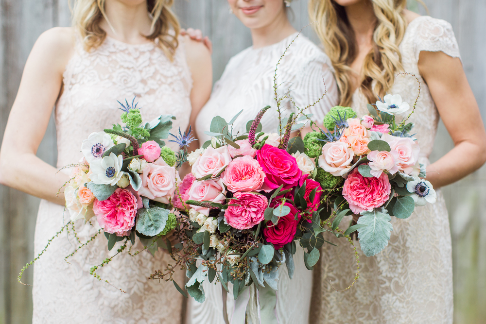 photo by Emily Wren Photography // florals: ilonka florals