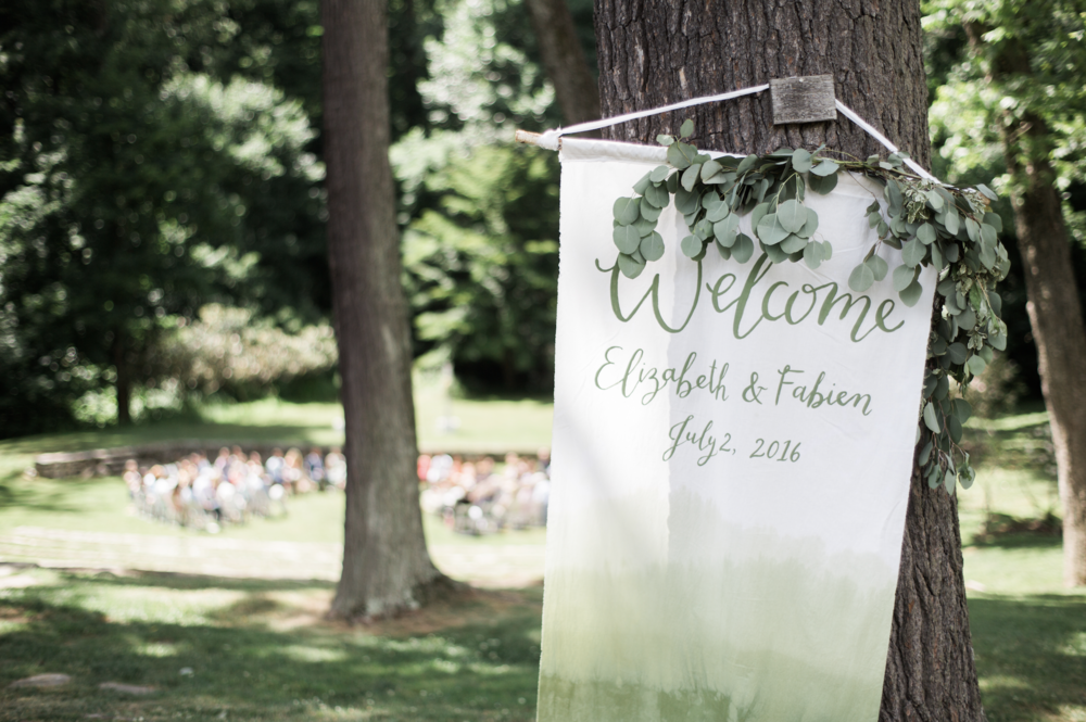 hand-dyed welcome banner by hello, bird. // photo courtesy of Siousca Photography