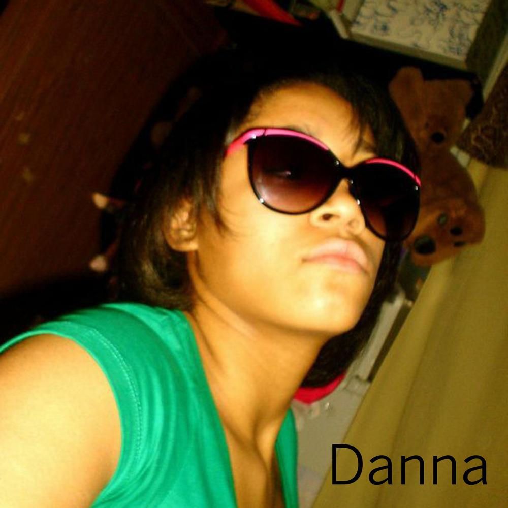 danna002_Name.jpg