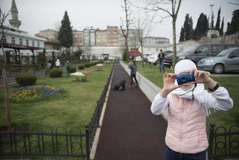 Snapshot Istanbul  is a part of a 8 class course that is   custom designed by 100cameras to equip passionate creatives with the tools to empower kids   in a community they care about with the opportunity to learn how to process their stories and create change.