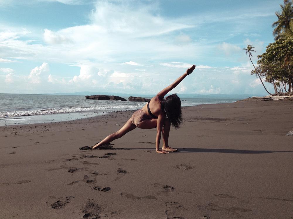 Beach Yoga6.jpg
