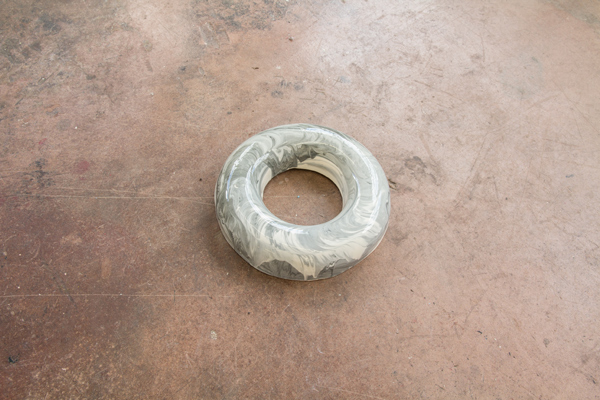 Brigit Ryan,  Donut , 2014 Courtesy the artist and Bus Projects