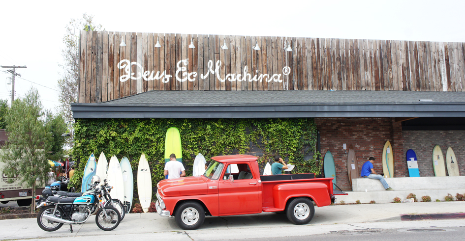 reasons to love california : classic cars, vintage bikes and plenty of foam.