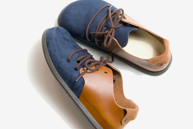 Birkenstock 2010 Spring/Summer Collection Montana some pretty dope shoes and something different from the norm…click the picture for other looks. This color way, and the all black joints are my favs…I spotted these on HYPEBEAST
