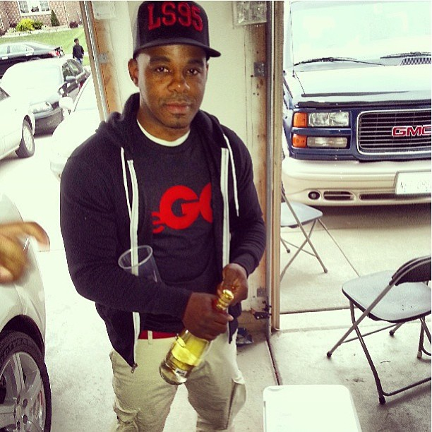 Repost from @theegordongatrell with the homie @cwellsdagreat in #thego tee an @thelifestyle95th trucker #fashion #chicago