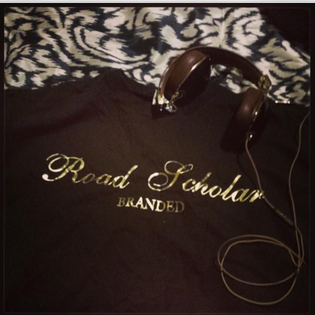 Vintage #roadscholarlifestyle tee - repost from @mlkoollsz brown/gold foil #rsl #tshirts #fashion #streetwear