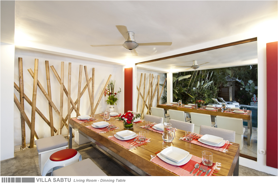 08-VILLA SABTU - LIVING ROOM - DINNING TABLE.jpg