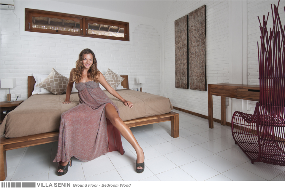 15-VILLA SENIN - GROUND FLOOR - BEDROOM WOOD.jpg