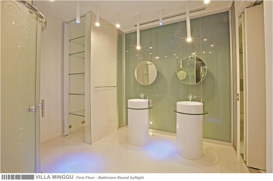 30-VILLA MINGGU - FIRST FLOOR - BATHROOM ROUND.jpg