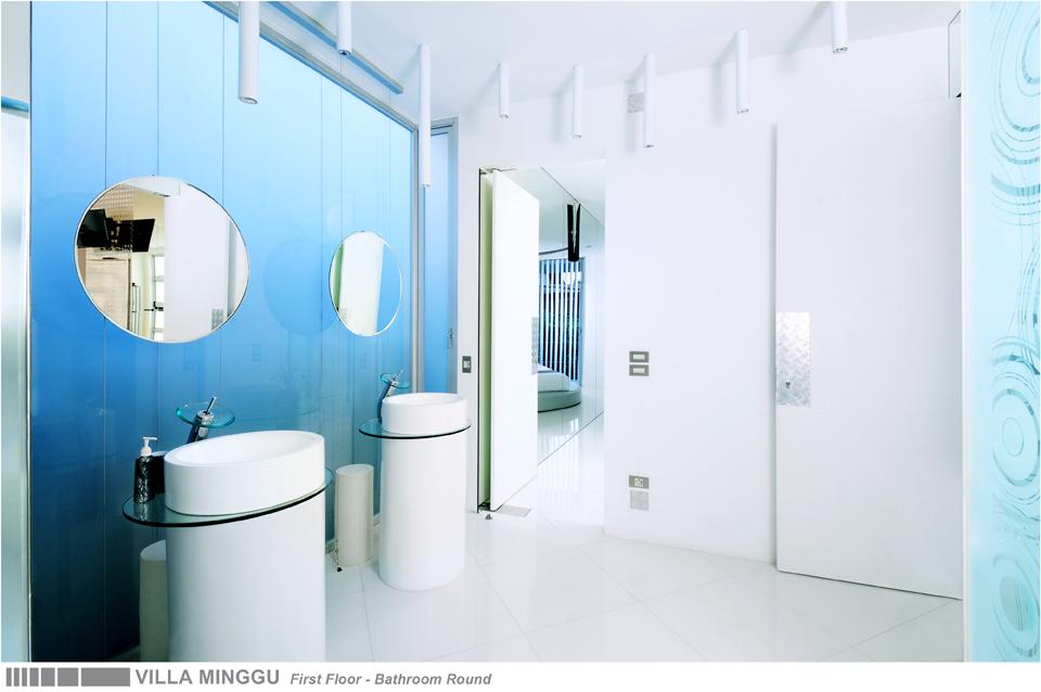 31-VILLA MINGGU - FIRST FLOOR - BATHROOM ROUND.jpg