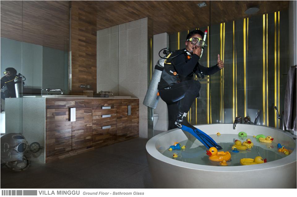 35-VILLA MINGGU - GROUND FLOOR - BATHROOM GLASS.jpg